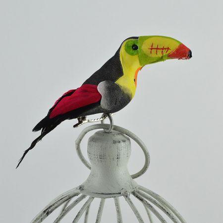 Διακοσμητικό τροπικό πουλί Τουκάν με κλιπ κατασκευασμένο από σκληρό αφρώδες υλικό και φτερά.