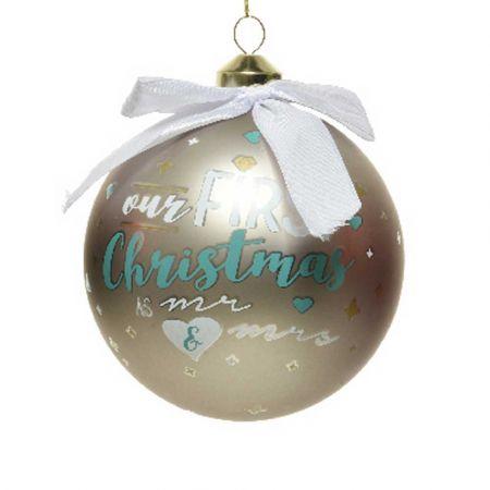 Χριστουγεννιάτικη γυάλινη μπάλα - Our First Christmas Mr&Mrs - Γκρι ματ 10cm