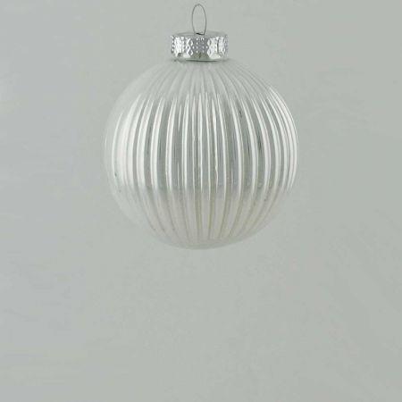 Γυάλινη Χριστουγεννιάτικη μπάλα πλισέ Λευκή γυαλιστερή 8cm