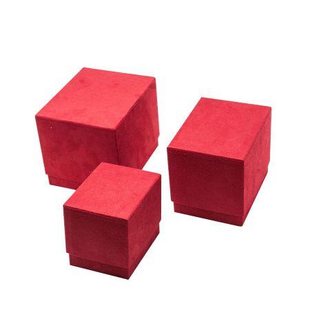 Σετ 3τχ βελούδινα κουτιά δώρου τετράγωνα Κόκκινα 18/16/13cm (Ύψος)