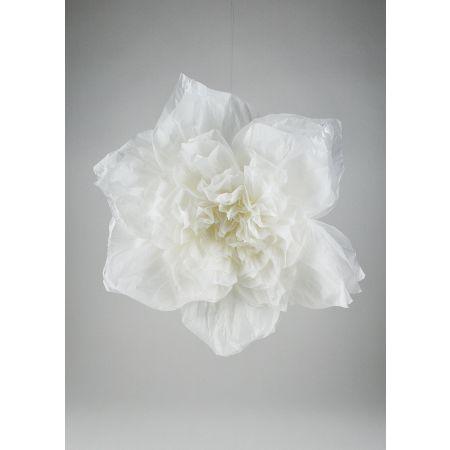 Διακοσμητικό άνθος λουλουδιού κατασκευασμένο από χαρτί.